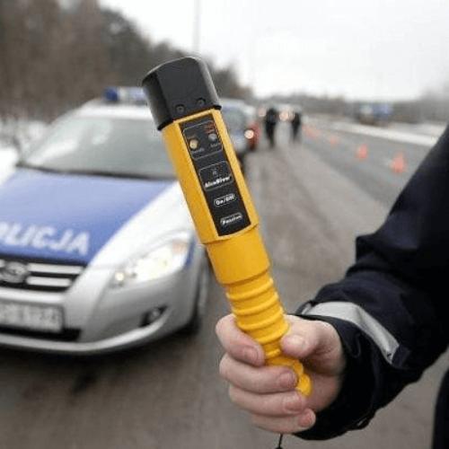 POLICJANCI ROZMAWIALI Z SENIORAMI O MAPIE ZAGROŻEŃ I OSZUSTWACH NA WNUCZKA